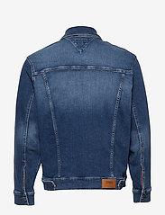 Tommy Jeans - OVERSIZED DENIM TRUCKER BDFM - denim jackets - bedford mid bl com - 1