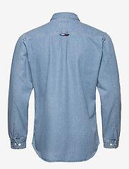 Tommy Jeans - TJM DENIM SHIRT - podstawowe koszulki - mid indigo - 1