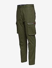 Tommy Jeans - TJM CARGO DOBBY PANT - bojówki - cypress - 5