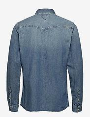 Tommy Jeans - TJM WESTERN DENIM SHIRT - basic shirts - mid indigo - 1