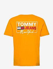 Tommy Jeans - TJM NY SCRIPT BOX BACK LOGO TEE - korte mouwen - florida orange - 1