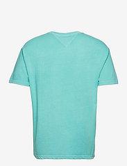 Tommy Jeans - TJM TONAL FLAG TEE - kortärmade t-shirts - chlorine blue - 1