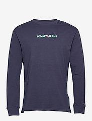 Tommy Jeans - TJM VERTICAL TOMMY LOGO TEE - långärmade t-shirts - twilight navy - 0