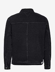 Tommy Jeans - OVERSIZE TRUCKER JACKET SSPBBRD - jeansjackor - save sp bk bk rgd destr - 1