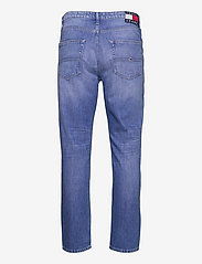 Tommy Jeans - DAD JEAN REG TPRD AE633 HYMBR - regular jeans - denim medium - 1