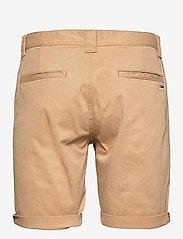 Tommy Jeans - TJM SCANTON CHINO SHORT - chinos shorts - classic khaki - 1