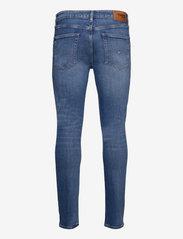 Tommy Jeans - AUSTIN SLIM TPRD BE118 LBSTR - slim jeans - denim light - 1