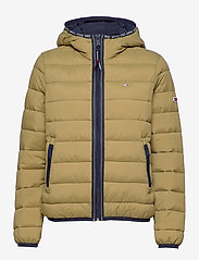 Tommy Jeans - TJW QUILTED TAPE DETAIL JACKET - padded jackets - martini olive - 1