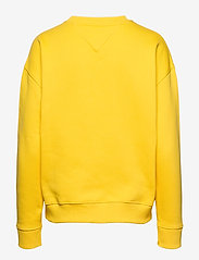 Tommy Jeans - TJW TOMMY BADGE CREW - sweatshirts - spectra yellow - 1
