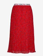 Tommy Jeans - TJW PLEATED MIDI SKIRT - midi skirts - paisley print / deep crimson - 1