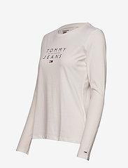 Tommy Jeans - TJW ESSENTIAL LOGO LONGSLEEVE - långärmade toppar - white - 2