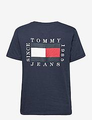 Tommy Jeans - TJW BOX FLAG TEE - t-shirts - twilight navy - 1