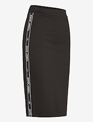 Tommy Jeans - TJW BODYCON TAPE DETAIL SKIRT - midi kjolar - black - 3
