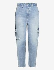 Tommy Jeans - MOM JEAN CARGO SVLBR - mom jeans - save ps lb rig dest - 0