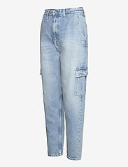 Tommy Jeans - MOM JEAN CARGO SVLBR - mom jeans - save ps lb rig dest - 2