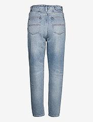 Tommy Jeans - MOM JEAN ULTRA HR TPRD EMF SPLBR - mom jeans - emf sp lb rgd - 1