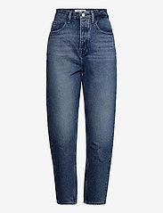 Tommy Jeans - MOM JEAN ULTRA HR TPRD EMF SPMBR - mom jeans - emf sp mb rgd - 0