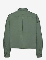 Tommy Jeans - TJW CROPPED UTILITY SHIRT - kläder - desert olive - 1