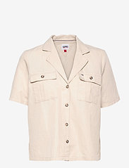 Tommy Jeans - TJW BOWLING SHIRT - kortärmade skjortor - sugarcane - 0
