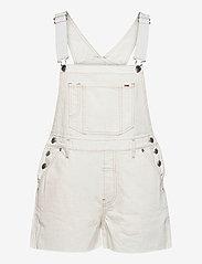 Tommy Jeans - OVERSIZE DUNGAREE SHORT SSPWR - kläder - save sp white rgd - 0