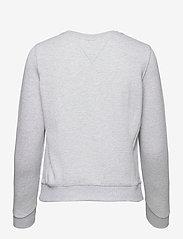 Tommy Jeans - TJW BXY TIMELESS FLAG SWEATSHIRT - sweatshirts & hoodies - silver grey htr - 1