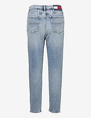 Tommy Jeans - MOM JEAN UHR TPR AE611 LBC - mammajeans - denim light - 1