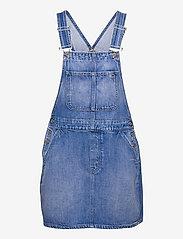 Tommy Jeans - CLASS DUNGAREE DRESS AE633 HYMBR - summer dresses - denim medium - 0