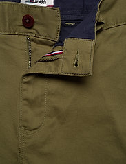 Tommy Jeans - TJM ESSENTIAL CHINO SHORT - chinos shorts - uniform olive - 3