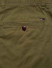 Tommy Jeans - TJM ESSENTIAL CHINO SHORT - chinos shorts - uniform olive - 4