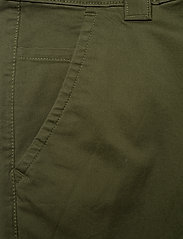 Tommy Jeans - TJM SCANTON CHINO PANT - chinos - cypress - 2