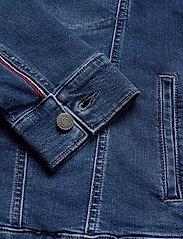 Tommy Jeans - OVERSIZED DENIM TRUCKER BDFM - denim jackets - bedford mid bl com - 3