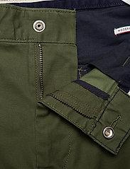 Tommy Jeans - TJM CARGO DOBBY PANT - bojówki - cypress - 3