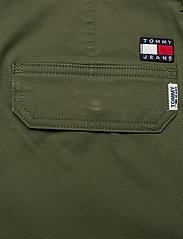 Tommy Jeans - TJM CARGO DOBBY PANT - bojówki - cypress - 4