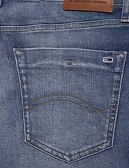 Tommy Jeans - SCANTON SLIM SHORT C - short en jean - court mid bl str - 4