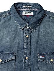 Tommy Jeans - TJM WESTERN DENIM SHIRT - basic shirts - mid indigo - 2