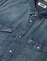 Tommy Jeans - TJM WESTERN DENIM SHIRT - basic shirts - mid indigo - 3