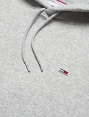 Tommy Jeans - TJM REGULAR FLEECE HOODIE - hoodies - lt grey htr - 2