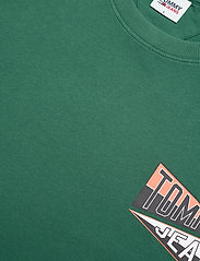 Tommy Jeans - TJM BACK GRAPHIC TEE C - basic t-shirts - rural green - 2