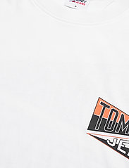 Tommy Jeans - TJM BACK GRAPHIC TEE C - basic t-shirts - white - 2