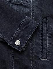 Tommy Jeans - REGULAR TRUCKER JACKET COBBS - jeansjackor - cornell bl bk str - 3