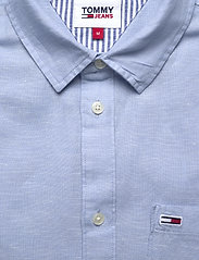 Tommy Jeans - TJM LINEN BLEND SHIRT - rutiga skjortor - light blue - 2