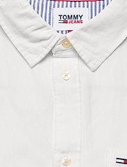 Tommy Jeans - TJM LINEN BLEND SHIRT - rutiga skjortor - white - 2