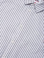 Tommy Jeans - TJM SEERSUCKER STRIPED SHIRT - linneskjortor - twilight navy / white - 3