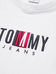 Tommy Jeans - TJM TIMELESS TOMMY BOX TEE - kortärmade t-shirts - white - 2
