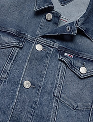 Tommy Jeans - REGULAR TRUCKER JACKET LMBC - jeansjackor - lincoln mb com - 2