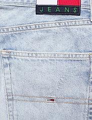 Tommy Jeans - ETHAN RLXD DENIM SHORT SSPLBRD - short en jean - save sp lb rgd destr - 4