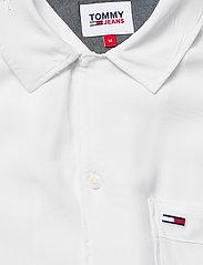 Tommy Jeans - TJM SOLID CAMP SHIRT - basic skjortor - white - 2