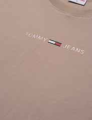 Tommy Jeans - TJM GEL LINEAR LOGO TEE - basic t-shirts - soft beige - 2