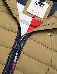 Tommy Jeans - TJW QUILTED TAPE DETAIL JACKET - padded jackets - martini olive - 5