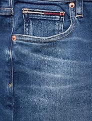 Tommy Jeans - CLASSIC DENIM SKIRT MNM - jupes en jeans - maine mid bl str - 2